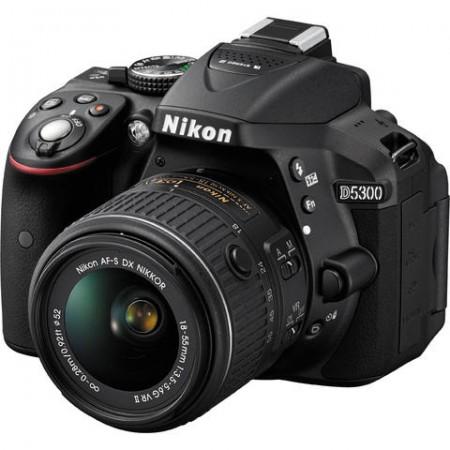 Фотоапарат Nikon D5300+обектив Nikon AF-P 18-55mm VR +обектив Nikon DX 35mm f/1.8G+16GB карта+чанта Nikon