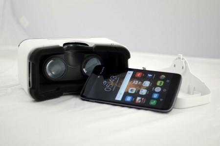 Снимки на Alcatel ONETOUCH Idol 4 6055K + VR Glasses