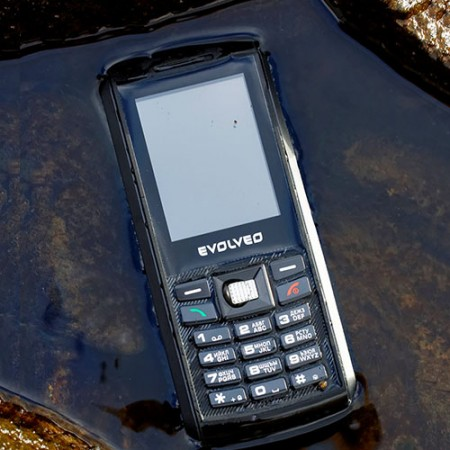 Снимки на Evolveo STRONGPHONE X1 Dual SIM