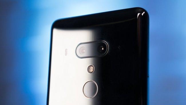 Снимки на HTC U12 Plus +