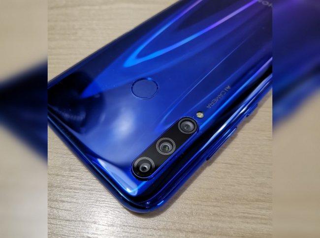 Цена на Huawei Honor 10i