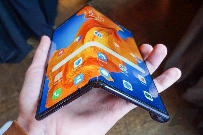 Снимка на Huawei Mate XS
