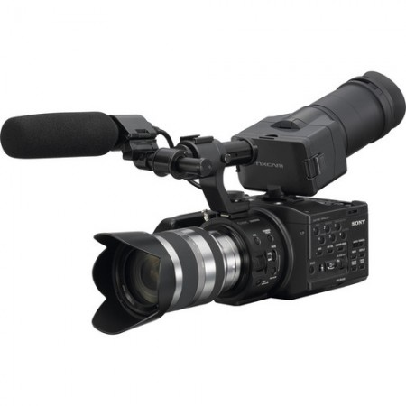 Професионална видеокамера Sony NEX-FS100 Kit 18-200mm.