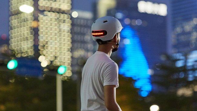 Снимка на Xiaomi Smart4u Waterproof Bicycle Smart Flash Helmet каска