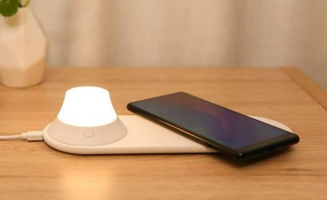 Настолна лампа Xiaomi Xiaomi Yeelight wireless charging night light
